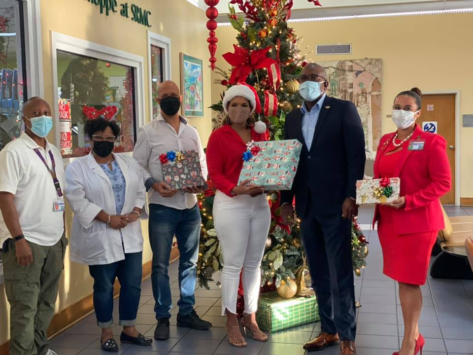 Governor Albert Bryan Jr. and First Lady Yolanda Bryan Shares the Christmas Spirit
